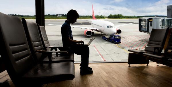 aeron7_laptop-airport